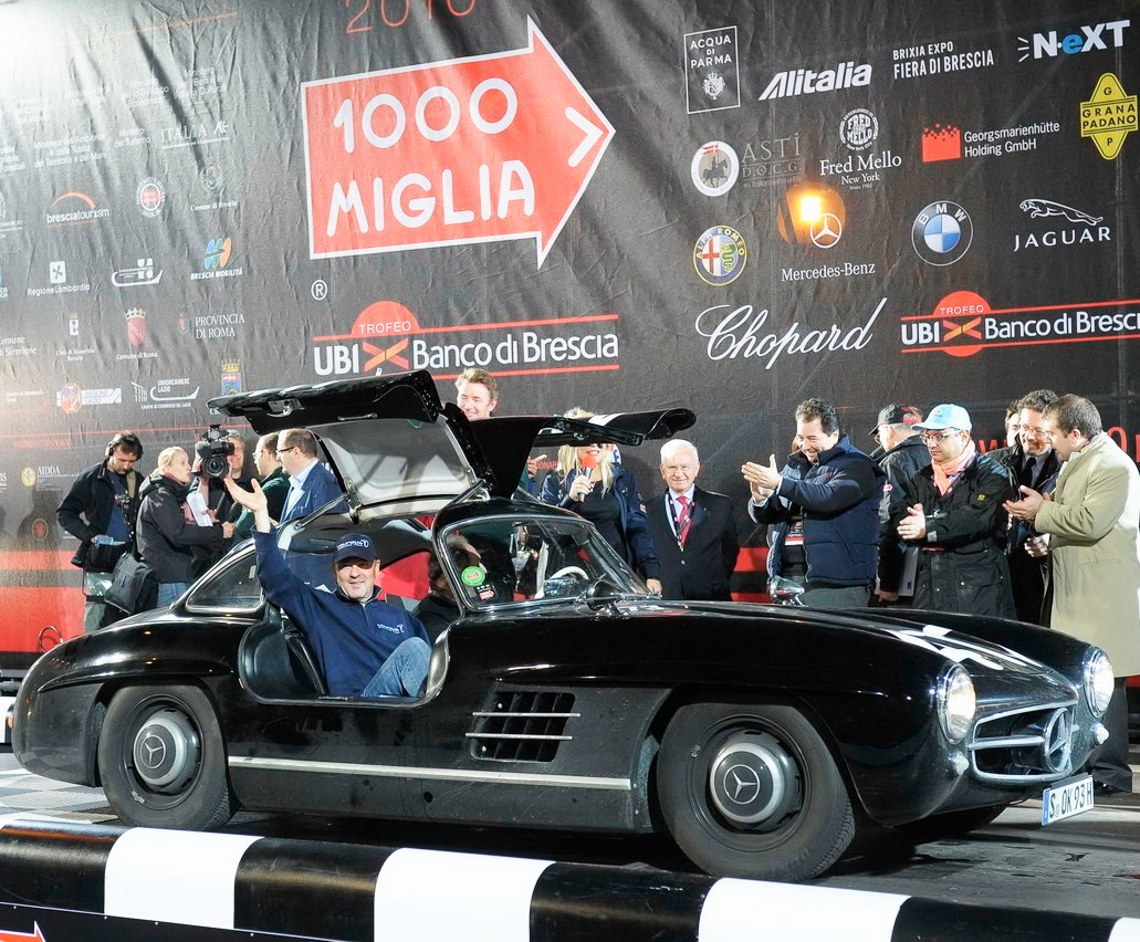 32a36_mercedes-benz-at-mille-miglia-2010-16